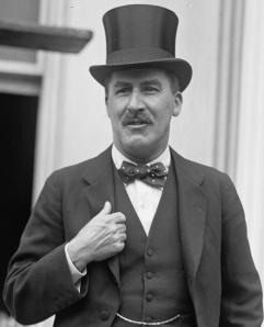 Howard Carter 1924 photo from BiquipediaA