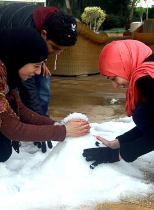 nc_cairo_egypt_snow_3_sk_131213_ssv[1]