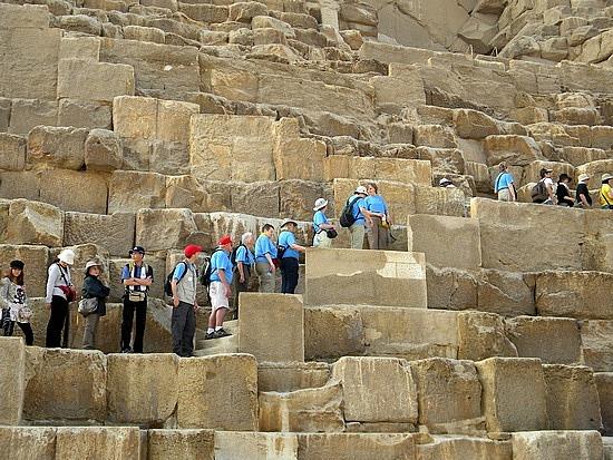1.1269478204.great-pyramid-of-khufu[1]