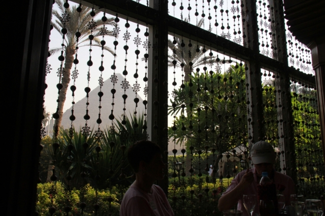 Even while having lunch the Pyramids beckon